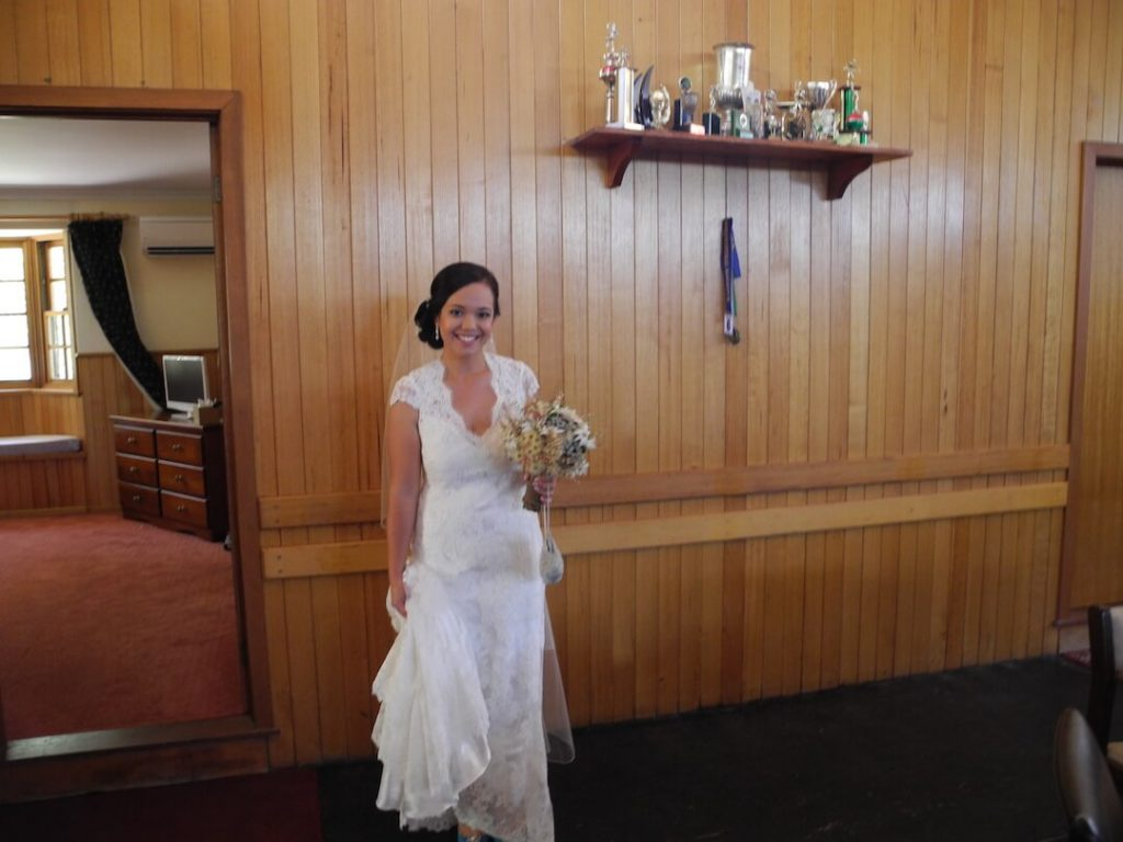 happy-days-accomodation-Woodhouse-Wedding-bride